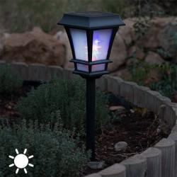 Päikesepatareiga aialamp